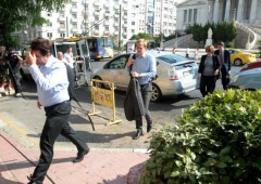 Da Bce ok riapertura Borsa Atene. Funzionari troika scortati da polizia