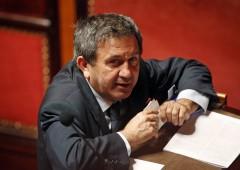 Pd nel mirino, no Senato ad arresto Azzollini (e Schifani si commuove)