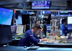 Borse incerte, dollaro rimbalza: pioggia di vendite insensata sui Bond