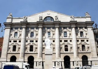 Borse: metà Piazza Affari è in mano agli stranieri