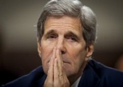 "Kerry: ""Dollaro, a rischio status valuta riserva del mondo"""