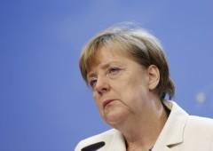 Grecia, Merkel in difficoltà. Mentre Tsipras potrebbe chiedere fiducia