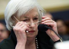 Dollaro sbanda dopo minute Fed. Yellen teme effetto Trump