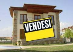 Immobiliare: ripresa faticosa, prezzi bassi. Taglio tasse farà poco