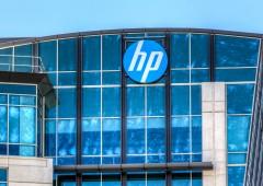 HP si prepara allo spin off: a casa fino a 30.000 dipendenti