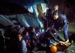 S&P su emergenza profughi: rischio principale per rating Ue