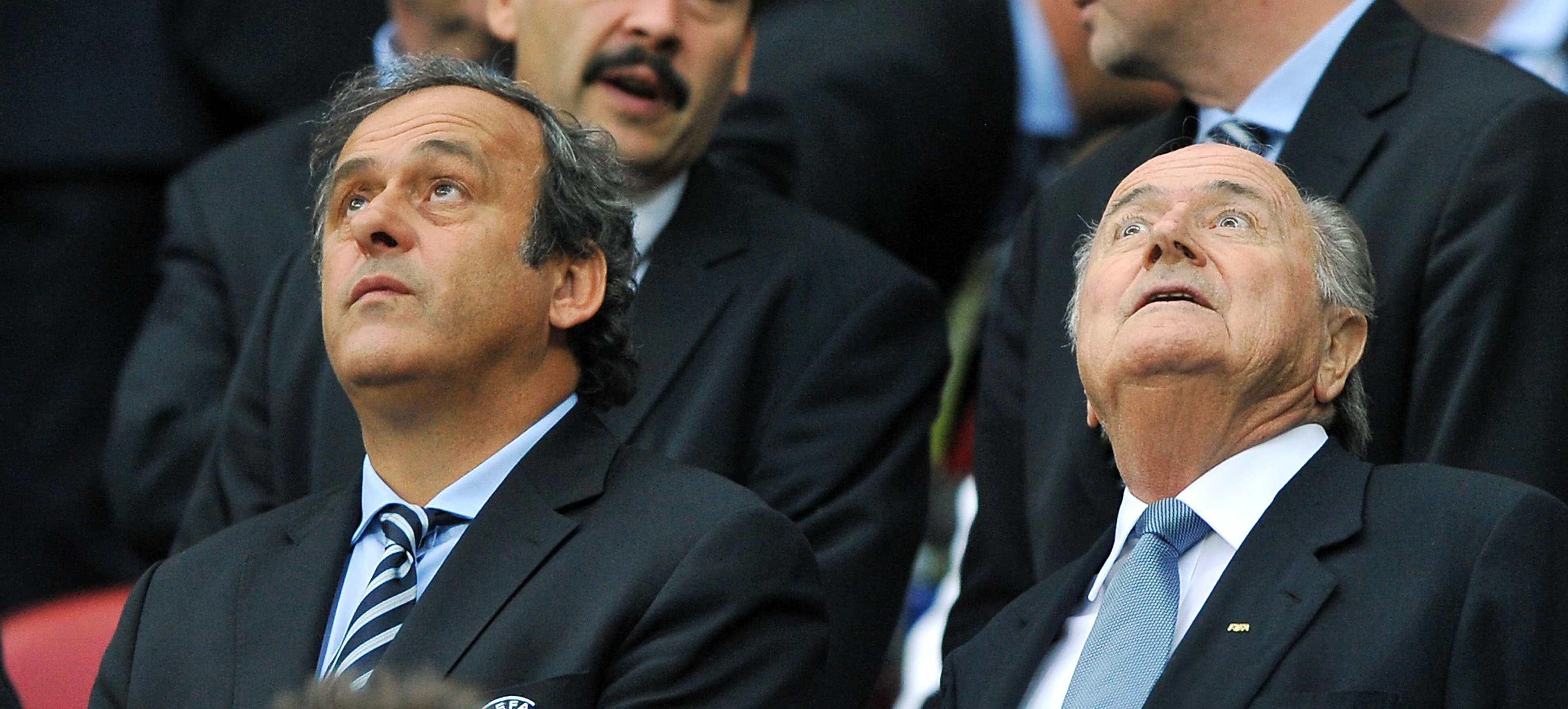 Calcio marcio: Blatter e Platini sospesi