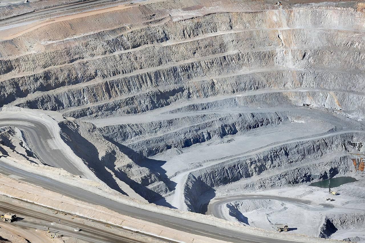 Calo materie prime, Glencore: taglio drastico della produzione