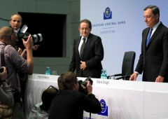 """Constancio (BCE): """"preoccupato da caro euro non da elezioni italiane"""""""