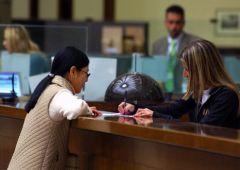 Banche italiane, boom commissioni sui clienti e costi record in Europa