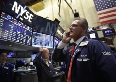 """Wall Street in rialzo con rally petrolio. Nomura: """"mercati volatili per anni"""""""