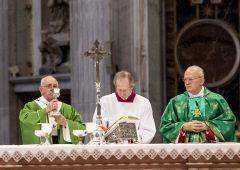 Santa Sede: dalle sigarette al porno, si allarga lo scandalo Vatileaks