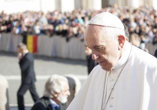 Come il Vaticano investe i soldi delle offerte e donazioni: l'inchiesta della Gabanelli