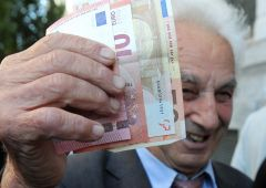 Banche: stangata su correntisti, dovranno sborsare 100 milioni