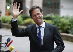 """Olanda, il """"falco"""" Rutte si dimette dopo scandalo sugli assegni familiari"""