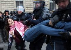 """Vertice clima Parigi: scontri e arresti. Turchia a Russia: """"non chiediamo scusa"""""""