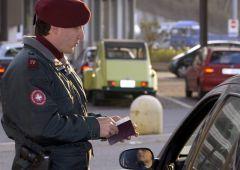 Commissione Ue chiede fine dei controlli alle frontiere