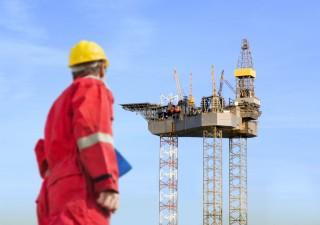 Petrolio, IEA: prezzi non sostenibili, ecco quando torneranno a salire