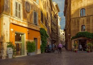 Deflazione in 11 grandi città. In Italia si esce di meno dopo attentati Parigi