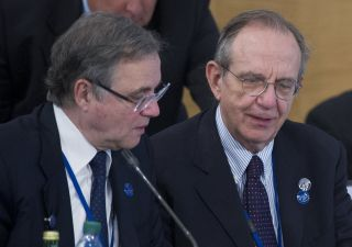 Bankitalia: mozione Pd contro Visco. Renzi: