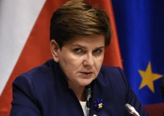 Guerra di nervi con la Polonia. Così la Ue rischia il crac