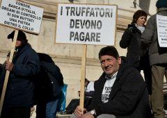 Banca Etruria, il dossier di Bankitalia e le responsabilità del papà Boschi