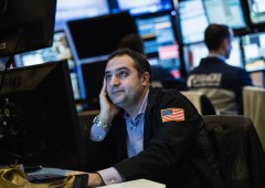 Wall Street chiude in rosso, paura crescita globale