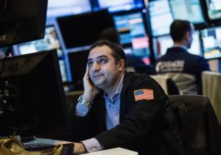Wall Street chiude in rosso, paura crescita globale