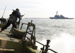 "Iran sequestra navi e marinai Usa. ""Violate le nostre acque"""