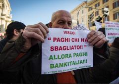 Bankitalia, Visco garante solo dei banchieri: si dimetta