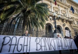 Banche: Italia chiede danni a Ue, alt di Mattarella per difendere Bankitalia
