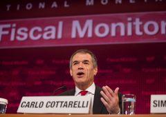 """Fmi, Cottarelli: """"Troppo debito. E la classe media sta scomparendo"""""""