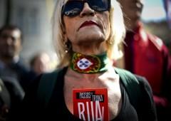 Portogallo sfida Ue con piano anti austerity. Bruxelles chiede manovra