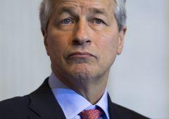JP Morgan: nuovi accantonamenti e rischio perdite pesanti da petrolio