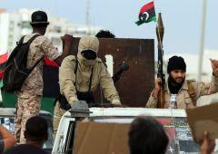 """Le Monde: """"guerra segreta della Francia in Libia"""""""