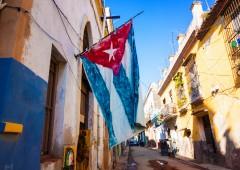 Cuba, finisce era Castro. Riformerà sistema folle due monete