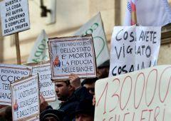 Banca Etruria: indagato papà Boschi e chiesto sequestro beni