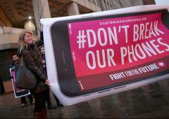 Fbi vince su Apple: sbloccato iPhone attentatore