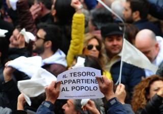 Italia nella morsa deflazione debito