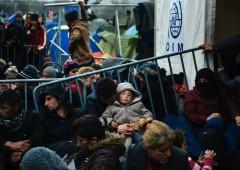 """Migranti, Ue: """"rotte Balcani chiuse"""". Germania non ci sta"""