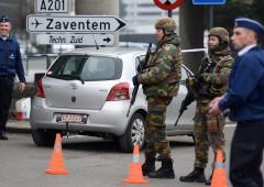 Bruxelles, caccia a due latitanti. Siti nucleari nel mirino