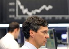 Borsa Milano positiva, alert di Blackrock sui Bond