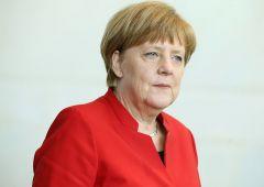 """Merkel per la prima volta ammette: """"Tra migranti anche terroristi"""""""