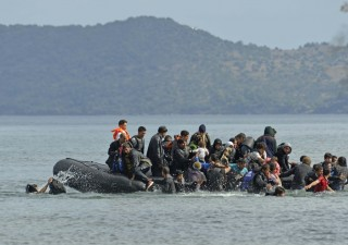 Emergenza migranti, Italia minaccia Ue: chiudiamo i porti