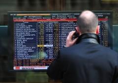 Borsa Milano nervosa, sotto pressione le banche