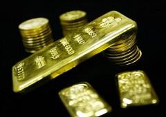 Oro: picco anomalo nei volumi genera un crollo improvviso