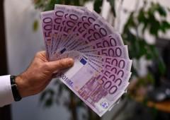 Rally dollaro mette KO l'euro, attacco ai BTP. Analisi: cosa fare con questi bond