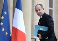 Attentati Parigi, familiari devono pagare tasse dovute dalle vittime
