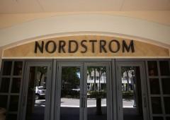 Vendite al dettaglio in difficoltà, Nordstrom crolla in Borsa