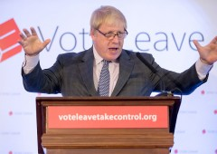 """Boris Johnson: """"Ue come Hitler, l'euro ha distrutto l'Italia"""""""